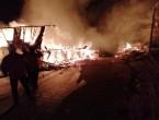 4 ev ve 2 samanlık yangında küle döndü (Video Haber)